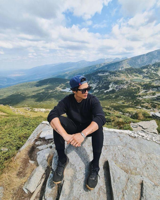 Huy Trần đưa Ngô Thanh Vân đi leo ngọn núi nổi tiếng ở Bulgaria - 1
