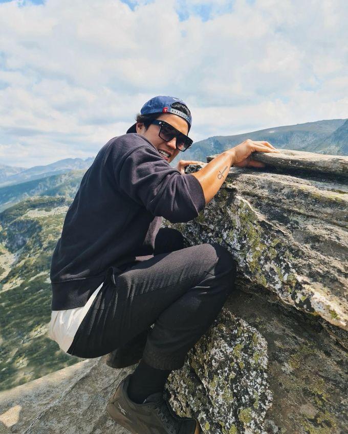 Huy Trần đưa Ngô Thanh Vân đi leo ngọn núi nổi tiếng ở Bulgaria - 2