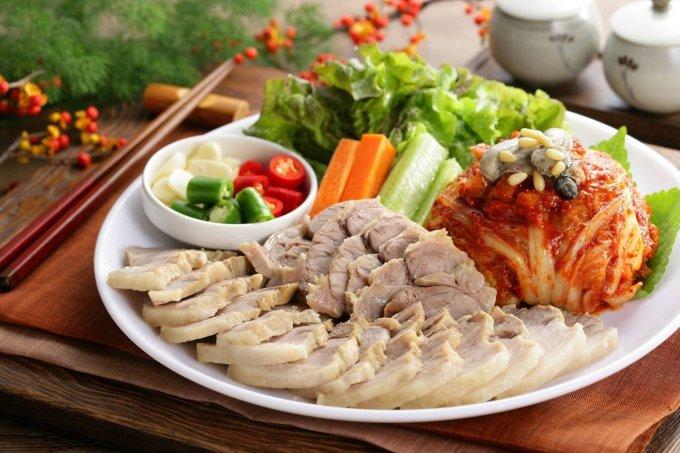 Nên ưu tiên ăn thịt trắng vào bữa tối để dễ tiêu hóa.