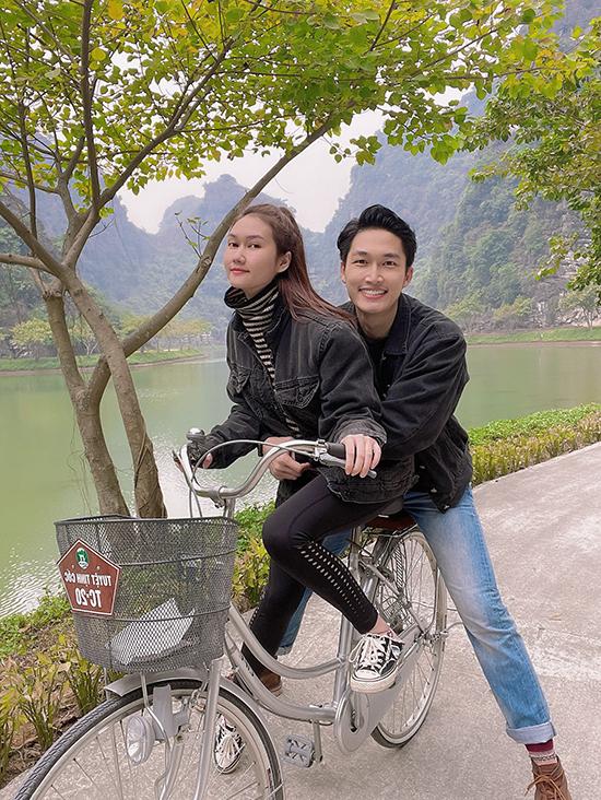 Sau hơn 5 năm bên nhau, Hương Giang và Đình Tú chưa có kế hoạch kết hôn nhưng luôn coi nhau là bạn đồng hành trong cuộc sống.